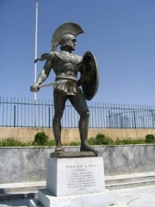 A heroic statue of Leonidas