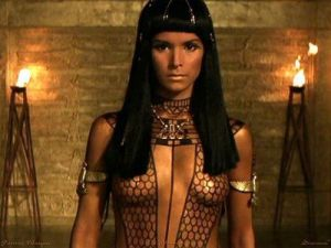 Nefertiti in 'The Mummy' played by Patricia Velasquez