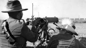 WWI machine gun in action